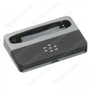 nastolnoe-zaryadnoe-ustrojstvo-dlya-blackberry-bold-9900-9930