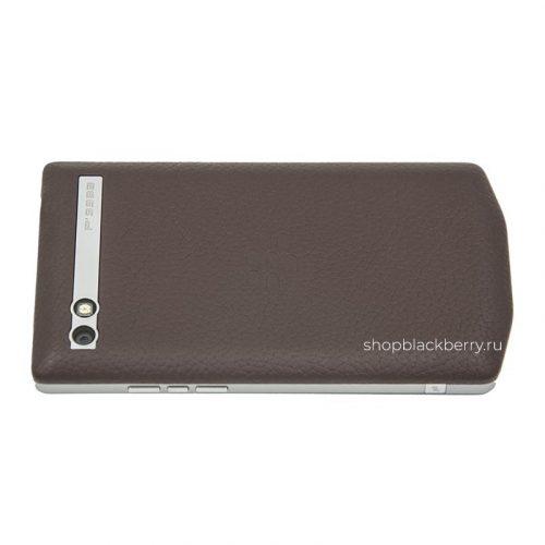blackberry-porsche-designe-p9983-brown-leather-2