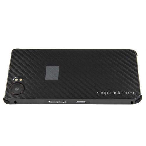 chehol-carbon-hard-shell-metall-dlya-blackberry-keyone-13